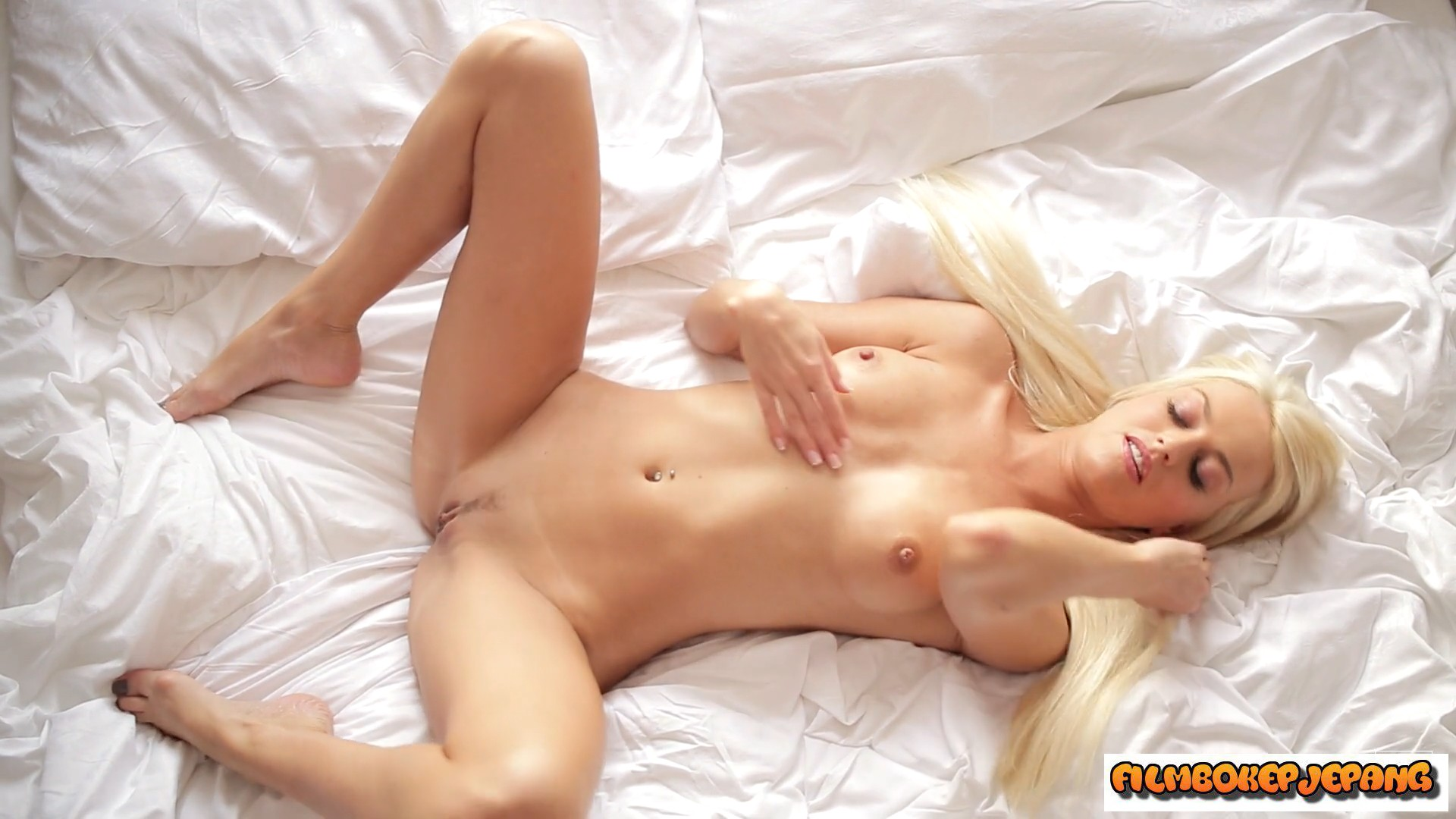 Blonde multiple orgasms mature